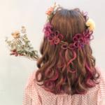 セルフアレンジに挑戦!髪にお花を咲かせるヘアアレンジ3選