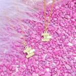 EXIT、TWICE、SEVENTEEN、いま話題の芸能人が着用しているパズルモチーフのネックレス